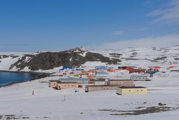 Station de recherche antarctique russe de bellingshausen sur l'île king george