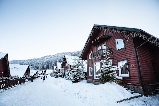 Station de ski en montagne