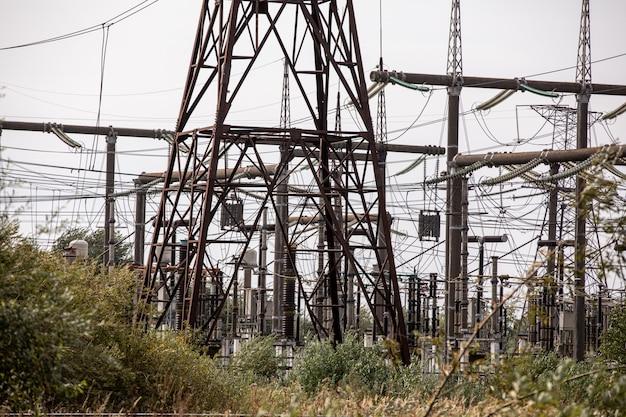 Station de transmission et de distribution haute tension