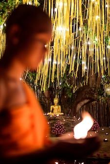 Statue de bouddha au wat pan tao