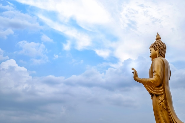 Statue de bouddha en or utilisé comme amulettes de la religion bouddhiste en thaïlande