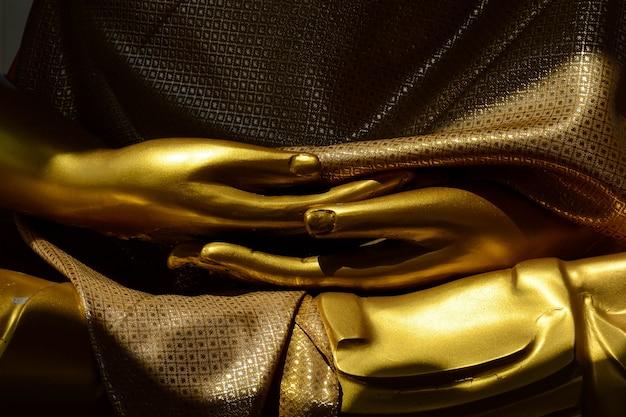 Statue de bouddha en or