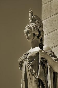 Statue de constitution
