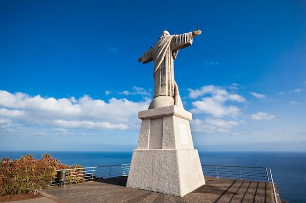 La statue du christ roi sur l'île de madère, portugal