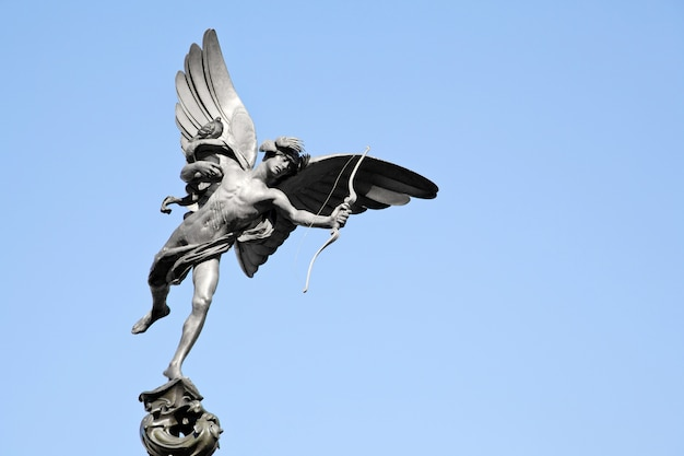 Statue eros piccadilly london