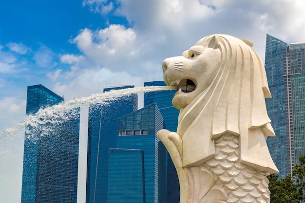 La statue de la fontaine merlion - symbole de singapour