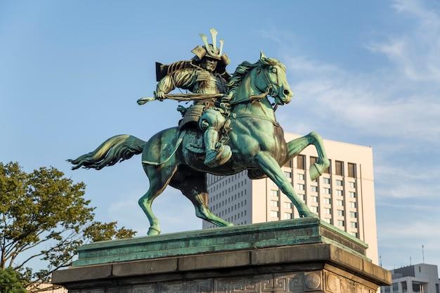 Statue de kusunogi masashige à tokyo