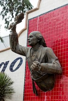 Statue sur le mur, centro, dolores hidalgo, guanajuato, mexique