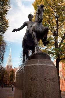 Statue de paul revere à boston, massachusetts, états-unis