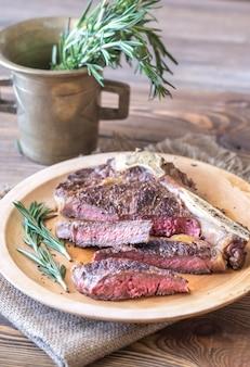 Steak de boeuf au romarin frais