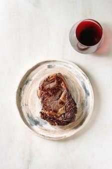 Steak de boeuf grillé