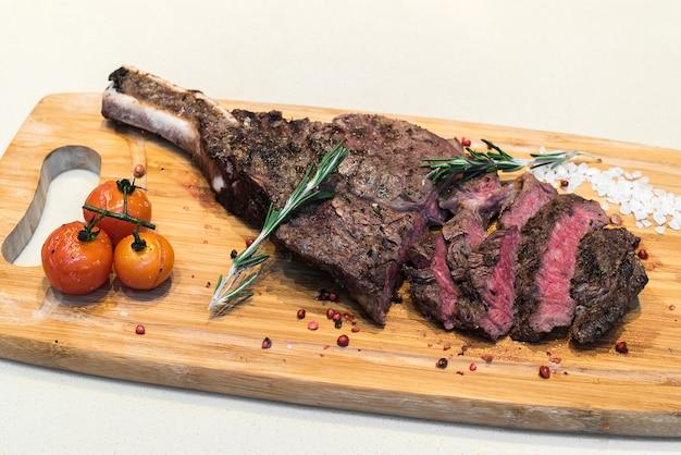Steak de côtes de boeuf