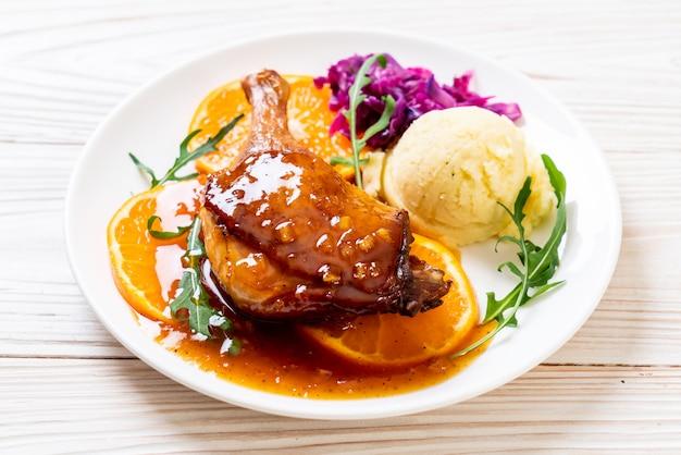 Steak de cuisse de canard à la sauce à l'orange