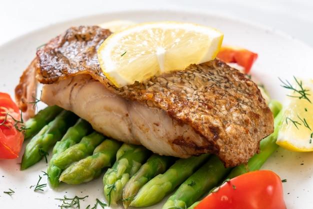 Steak de poisson vivaneau grillé