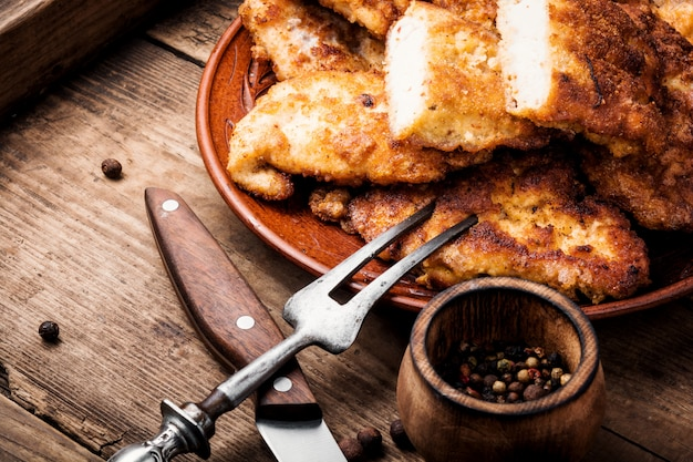 Steak de poitrine de poulet grillé