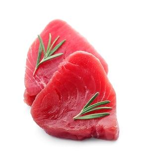 Steak de thon agrandi.