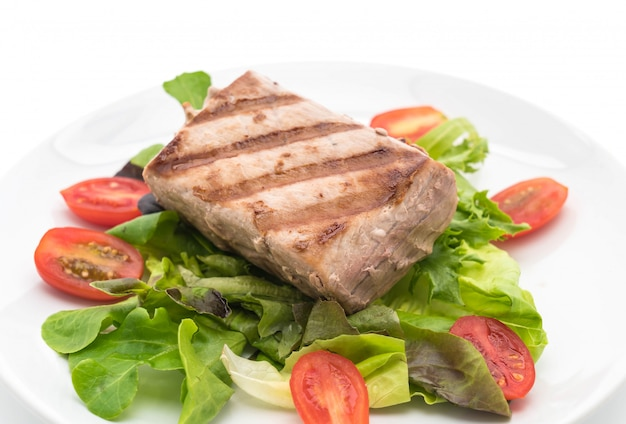 Steak de thon avec salade
