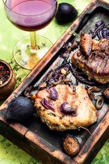 Steak de viande aux figues