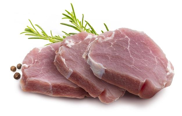 Steaks de filet de porc cru (surlonge) (morceaux), juteux et frais