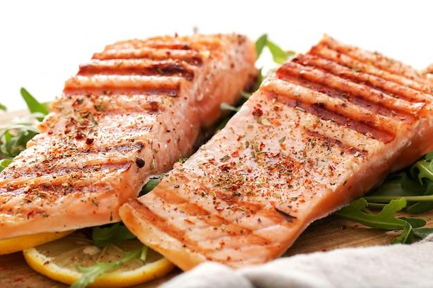 Steaks de saumon cuits