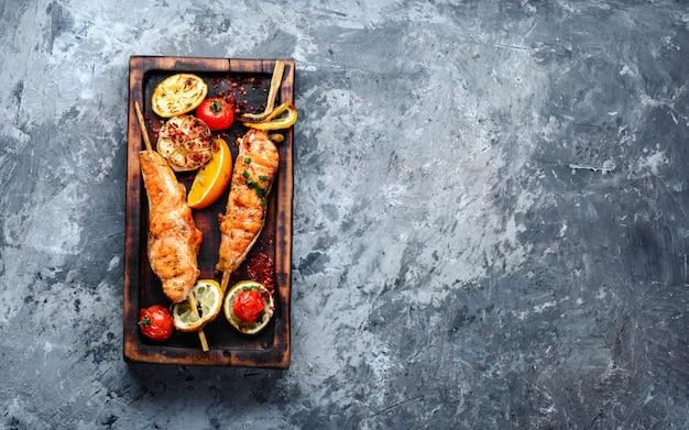 Steaks de saumon grillés