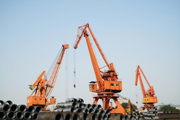Steel et jack dans le quai de chongqing, en chine