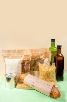 Stock de produits alimentaires en emballages