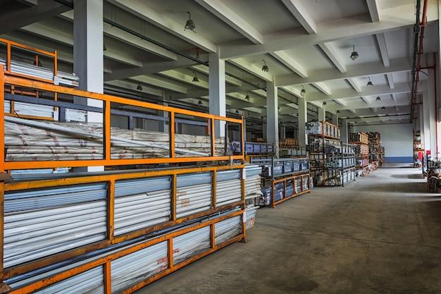 Stockage de matériel en fer et en acier