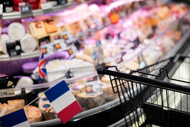Stocker les ingrédients comestibles acheter des fromages