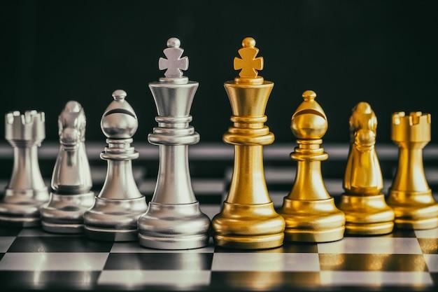 Stratégie de combat d'échecs jeu de défi d'intelligence sur l'échiquier