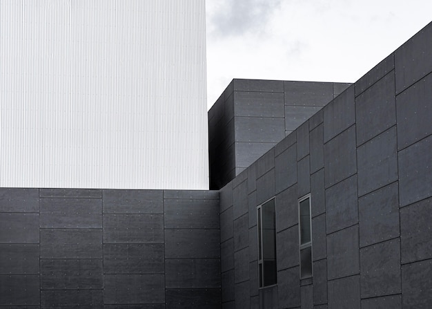 Structure en béton dans la ville avec espace copie