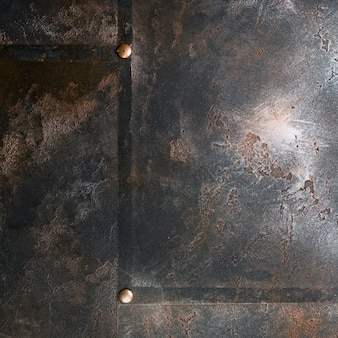 Structure métallique avec aspect rouillé et rivets