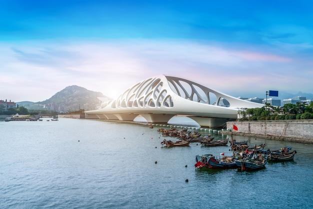 Structure de pont d'architecture urbaine moderne