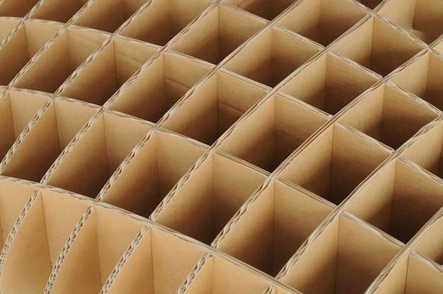 Structure répétée de carton recyclé