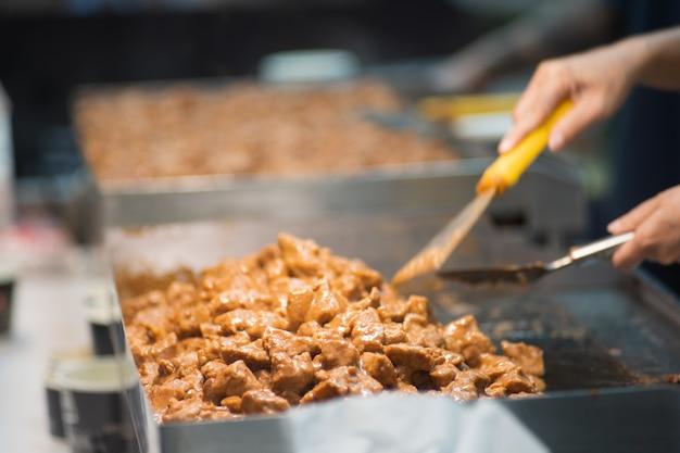Style de la cuisine japonaise, steak buta, teppanyaki japonais, gros plan