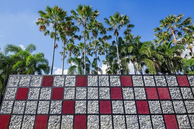 Le style de jardin vertical créatif en harmonie avec la nature.