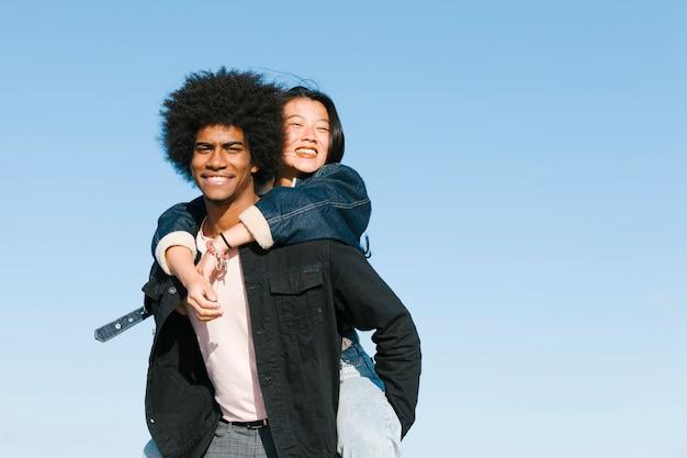 Style de vie du jeune couple