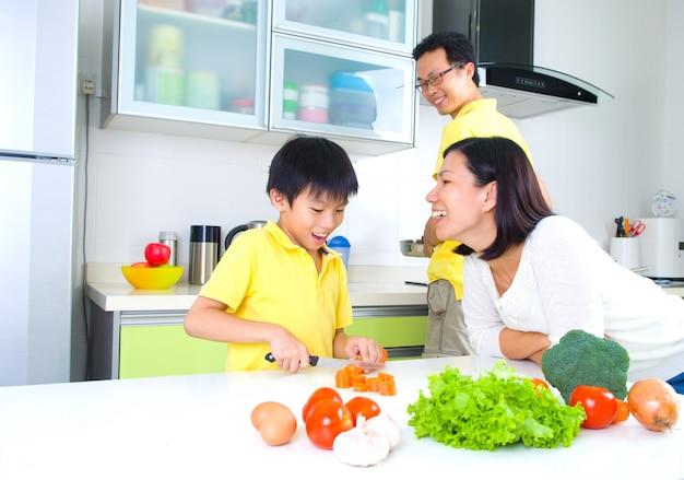Style de vie de famille asiatique