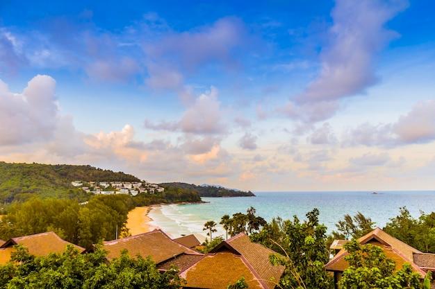 Style de vie de luxe terrasse villa sur la plage