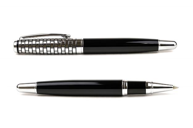 Stylo d'affaires isolé élégant, stylo à bille et métal sur fond blanc.