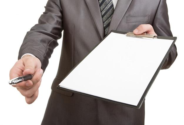 Stylo pour votre signature sur le presse-papiers