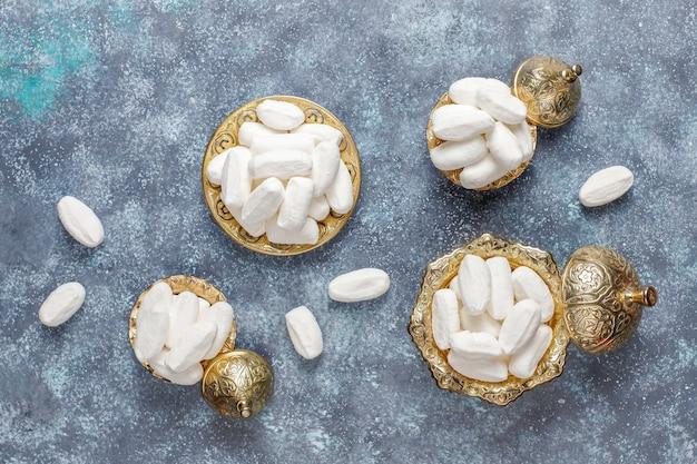 Sucre mevlana, bonbon au sucre blanc spécifique à la dinde, vue de dessus