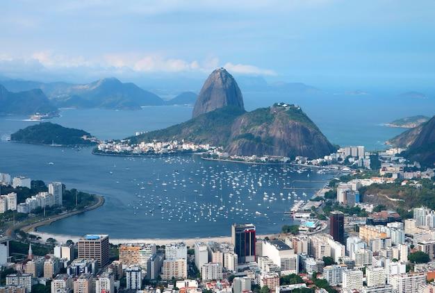 Sugarloaf mountain, célèbre monument de rio de janeiro, brésil