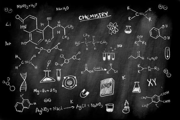 Sujet de formule de chimie doodle sur le concept de tableau de craie