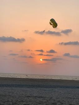 Sunset parachute ascensionnel parachute ascensionnel vue coucher de soleil