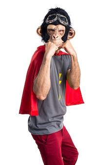 Superhéros, homme singe, donner un coup de poing