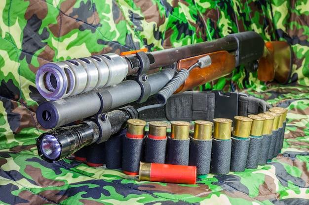 Support de lampe de poche pour fusil à pompe