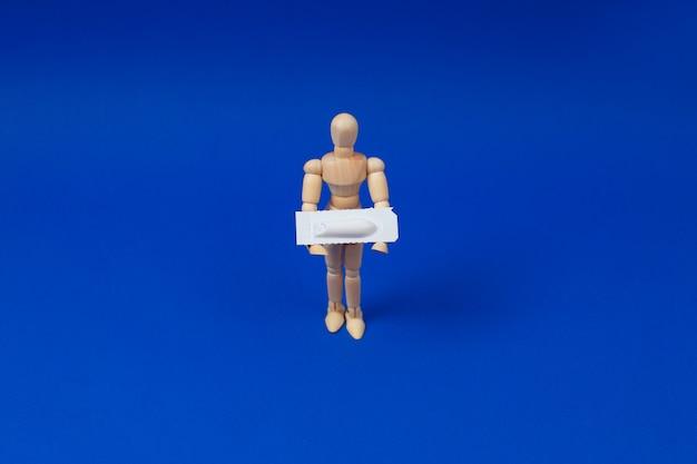 Suppositoire médical, rectal ou vaginal.