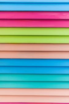 Surface en bois de couleur