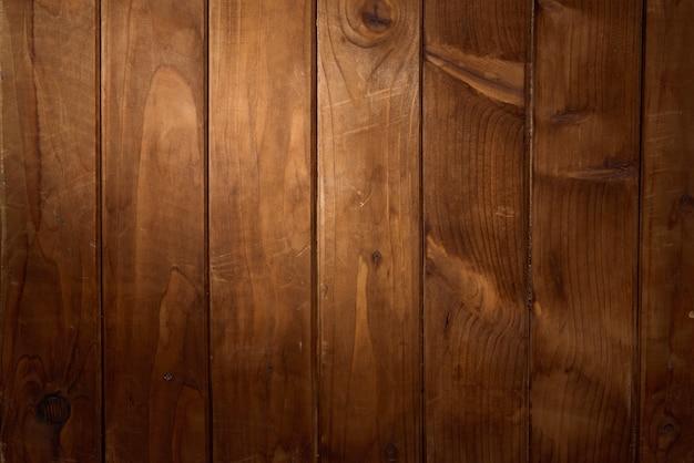 Surface en bois avec un rayon de fond clair